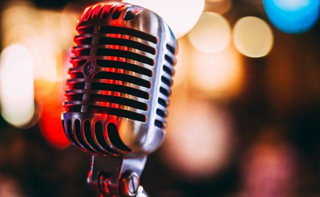 Mikrofon w powiększeniu